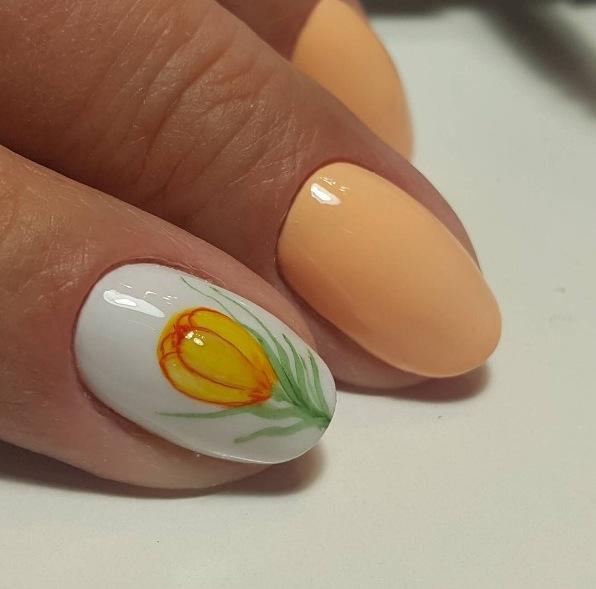 Модный маникюр на коротких ногтях