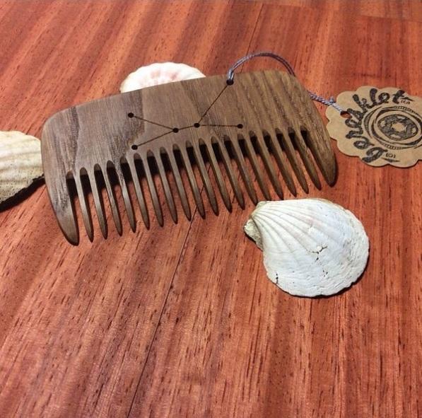 деревянная расческа для кудрявых волос
