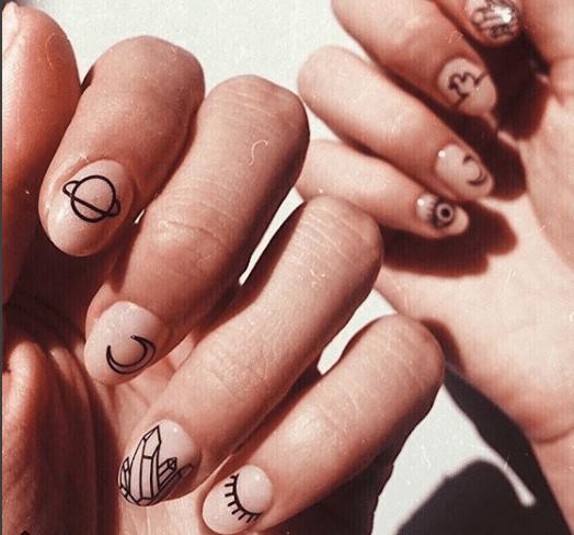 ногти минимализм