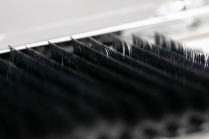 Наращивание ресниц для начинающих. Какие материалы выбрать?