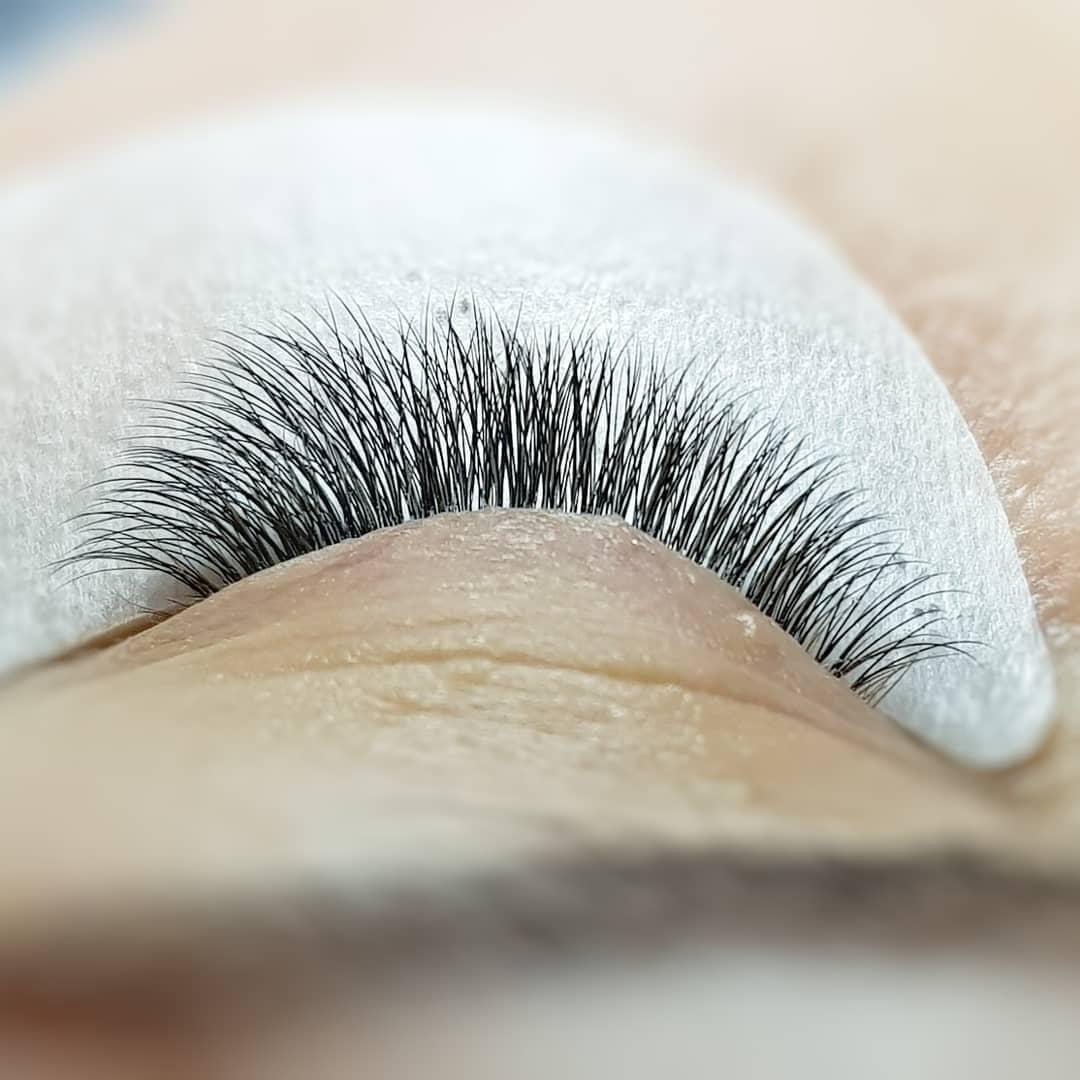 Эффекты наращивания ресниц