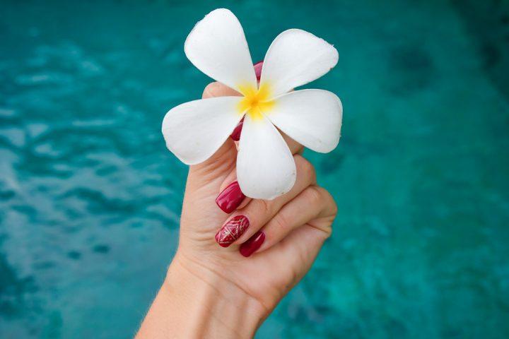Как ухаживать за руками летом?