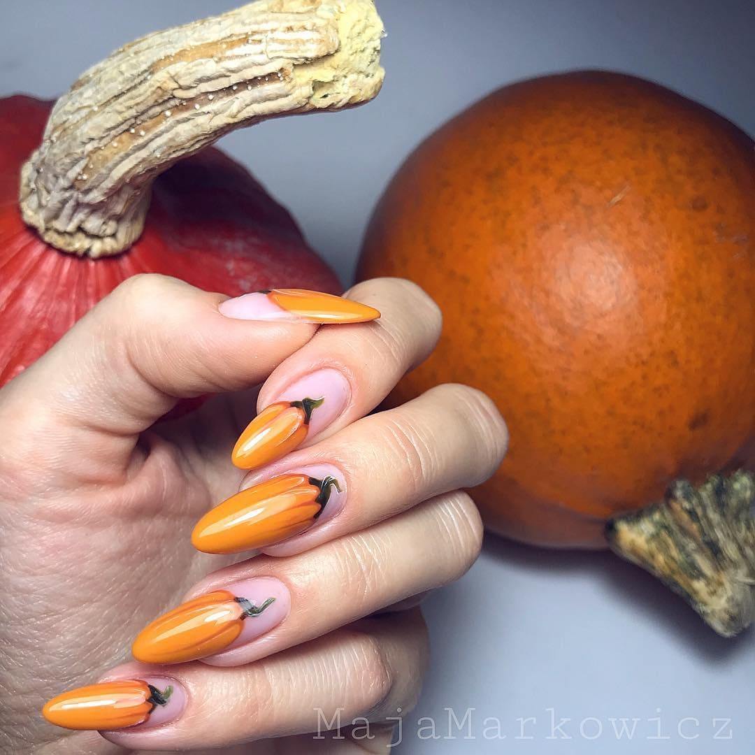 Ужасный маникюр: дизайны ногтей на Хэллоуин