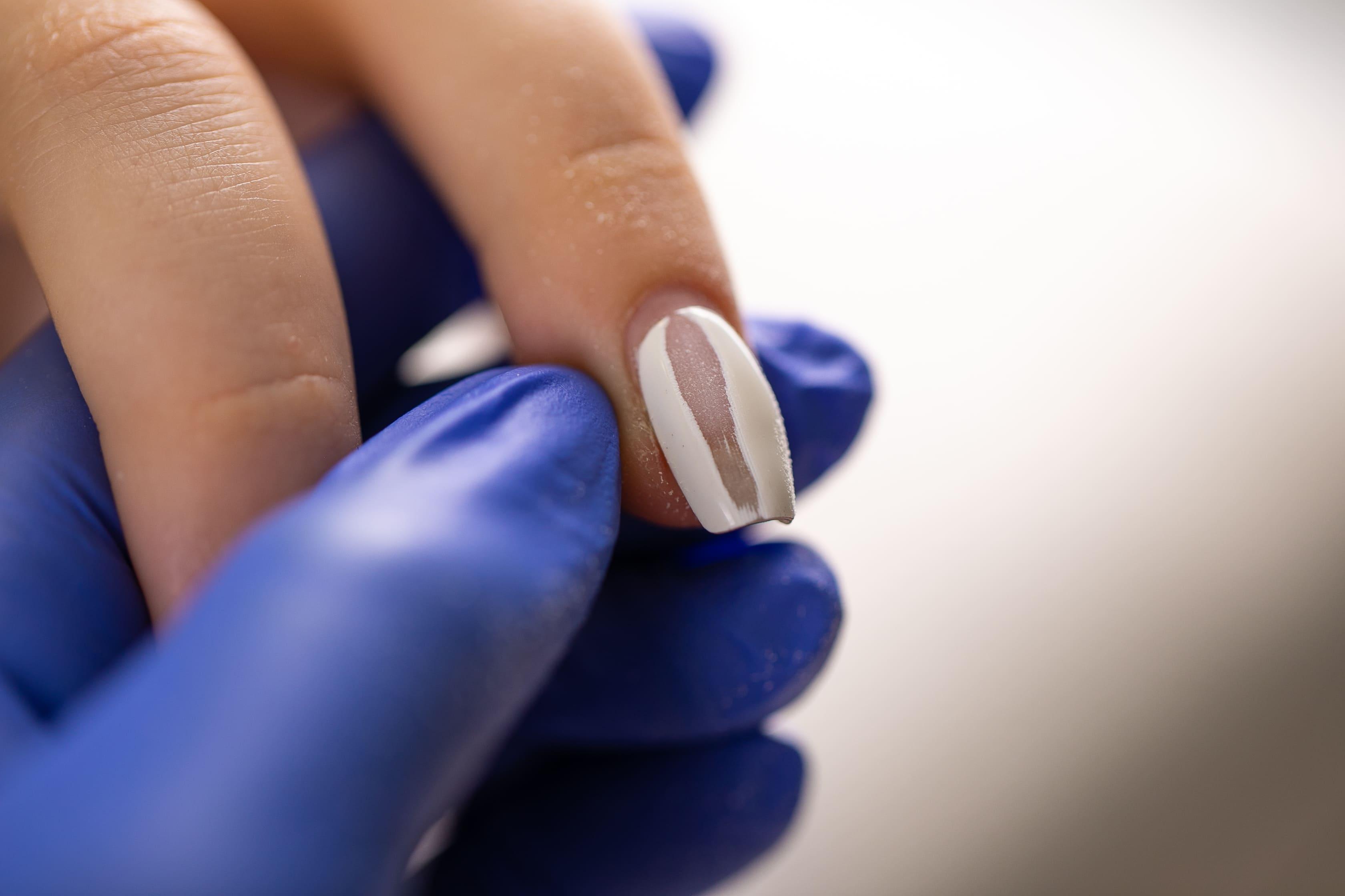 Гель-лак портит ногти: миф или реальность