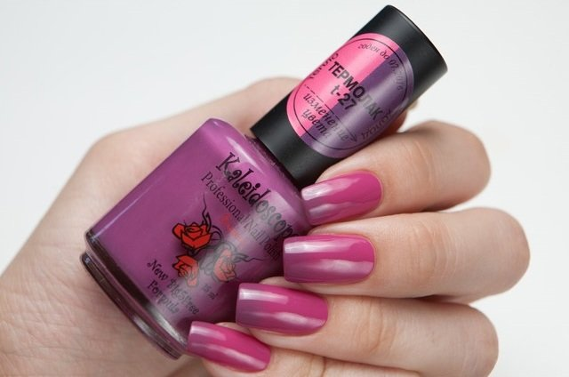 El Corazon, Kaleidoscope № T-27Термолаки El Corazon<br>Термолак, цвет ярко розовый - баклажановый с золотисто-розовой микрослюдой, полупрозрачный. 15ml.<br>