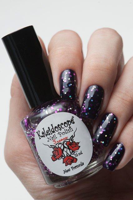El Corazon, Kaleidoscope № Z-22 Фокус-покусЛаки Kaleidoscope<br>Верхнее покрытие-закрепитель с акрилом прозрачное со средними серебряными и крупными розовыми квадратными блестками. Объем 15 ml.<br>