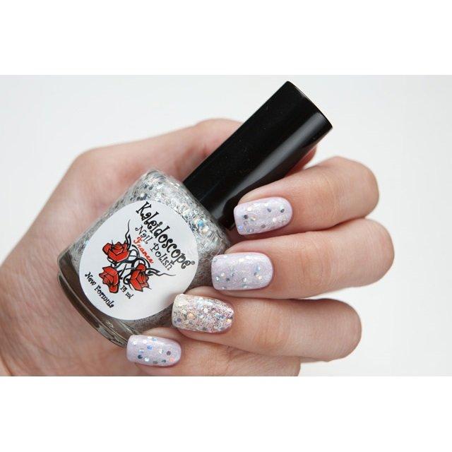 El Corazon, Kaleidoscope Кружева и пайетки № 04Лаки Kaleidoscope<br>Лак для ногтей прозрачный, с крупнымиголографическими блестками и белой стружкой.14 ml.<br>