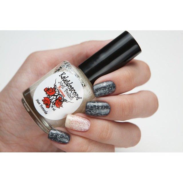 El Corazon, Kaleidoscope Кружева и пайетки № 06Лаки Kaleidoscope<br>Лак для ногтей прозрачный, сбелой стружкой.14 ml.<br>