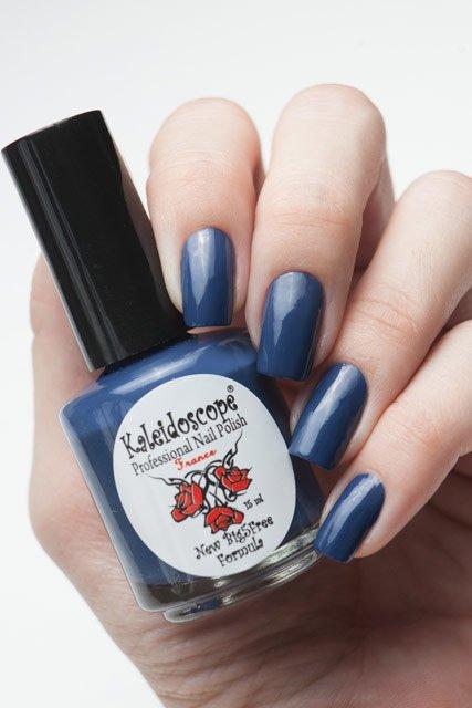 El Corazon, Kaleidoscope № IL-01 Сразил наповал!Лаки Kaleidoscope<br>Лак для ногтей темно-синий, без блесток и перламутра, плотный. Объем 15 мл.<br>