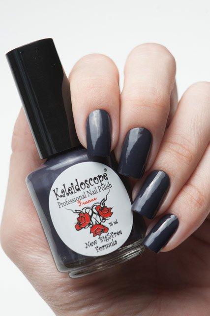 El Corazon, Kaleidoscope № IL-03 Жду сравнялкуЛаки Kaleidoscope<br>Лак для ногтей тёмный серо-лиловый, без блесток и перламутра, плотный. Объем 15 мл<br>