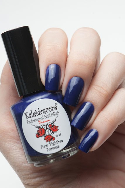 El Corazon, Kaleidoscope № IL-05 Ого, какой крутой!Лаки Kaleidoscope<br>Лак для ногтей сине-фиолетовый, без блесток и перламутра, плотный. Объем 15 мл.<br>