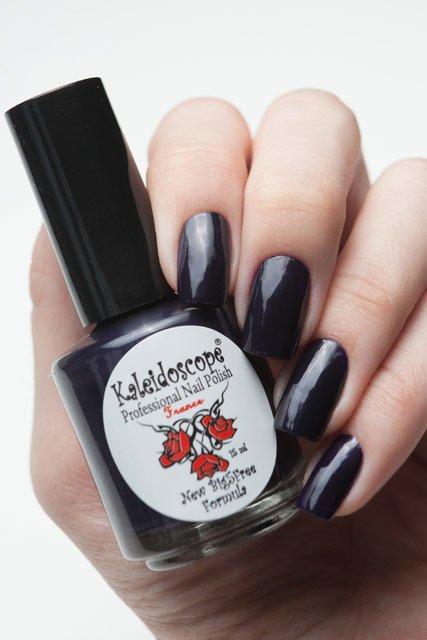 El Corazon, Kaleidoscope № IL-07 Купить однозначно!Лаки Kaleidoscope<br>Лак для ногтей темно-фиолетовый, без блесток и перламутра, плотный. Объем 15 мл.<br>