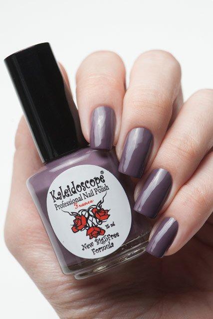 El Corazon, Kaleidoscope № IL-09 Мой любимецЛаки Kaleidoscope<br>Лак для ногтей розово-серый, без блесток и перламутра, плотный. Объем 15 мл.<br>