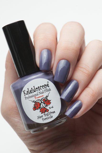 El Corazon, Kaleidoscope № IL-10 Ручки сами тянутсяЛаки Kaleidoscope<br>Лак для ногтей серо-сиреневый, без блесток и перламутра, плотный. Объем 15 мл<br>