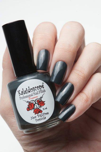 El Corazon, Kaleidoscope № IL-15 Значит надо братьЛаки Kaleidoscope<br>Лак для ногтей цвет мокрый асфальт, без блесток и перламутра, плотный. Объем 15 мл.<br>
