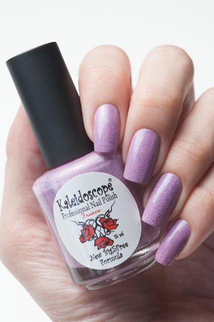 El Corazon, Kaleidoscope № SPR-01Лаки Kaleidoscope<br>ЛакГрезы о весне. Холодный, розово-сиреневый с синими блестками,плотный. Объем 15 мл.<br>