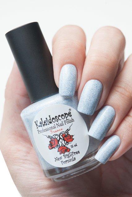 El Corazon, Kaleidoscope № SPR-04Лаки Kaleidoscope<br>ЛакГрезы о весне. Белый ссиними блестками,плотный. Объем 15 мл.<br>